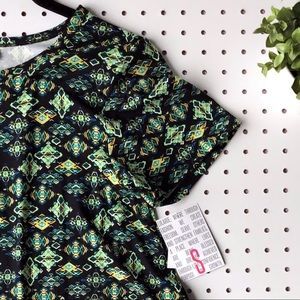 8cbb310916851 LuLaRoe Dresses | Nwt Small Llr Carly Swing Dress Leggings Material ...